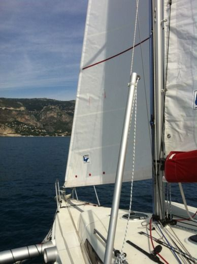 Sailboat ASTUS 24 peer-to-peer