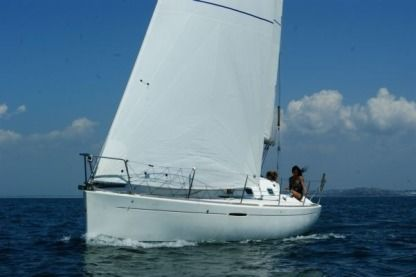 Rental Sailboat Beneteau First 31.7 Granville