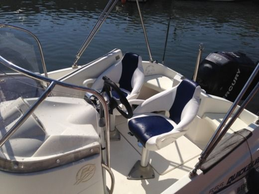 QuickSilver 555 Commander a Saint-Florent tra privati