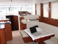 Motorboat Beneteau Swift Trawler 42