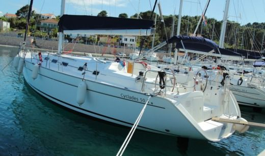Sailboat Beneteau Cyclades 50.5 Volga