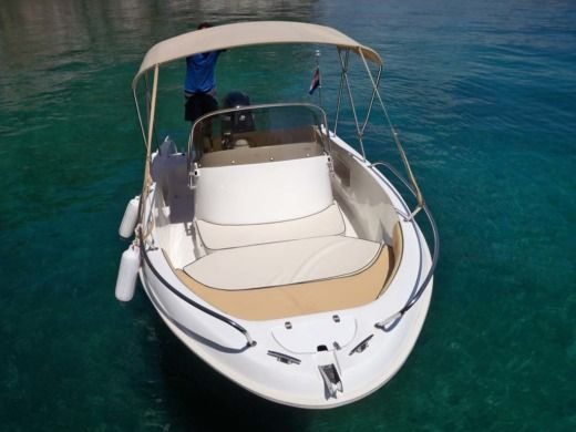 Rental Motorboat Saver 580 Rab
