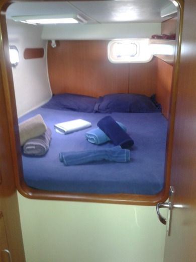 Charter catamaran in Victoria peer-to-peer