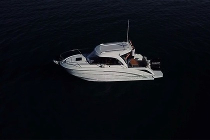 Charter Motorboat Beneteau Antares 720 Cambrils