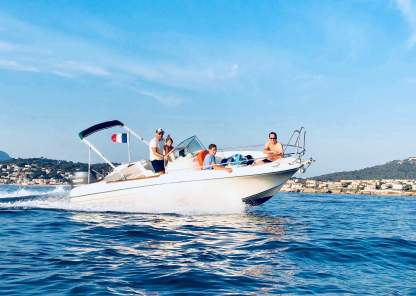 Rental Motorboat Jeanneau Cap Camarat Open 625 Six-Fours-les-Plages