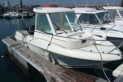 Hire Motorboat JEANNEAU Merry Fisher 585 ml Saint-Quay-Portrieux