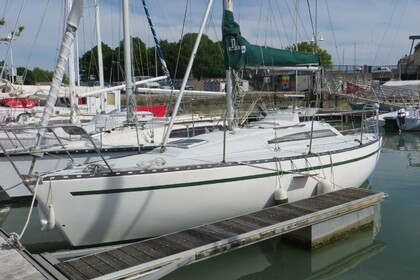 Rental Sailboat NEPTUNE TRIDENT 80 Rochefort
