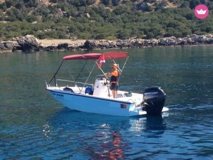 Charter Motorboat Mare 5.5M 80Hp Chania