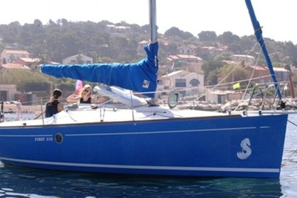 Rental Sailboat BENETEAU FIRST 210 Morgat