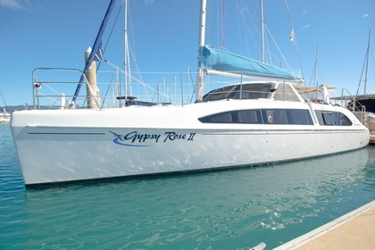 Hire Catamaran Seawind 1160 L Airlie Beach