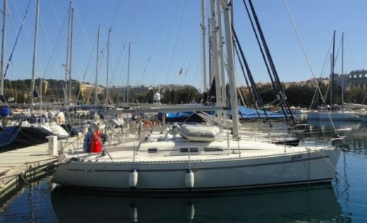 Elan 333 in Pula for rental