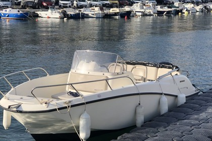 Charter Motorboat QUICKSILVER 675 OPEN Sète