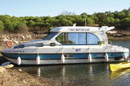 Rental Houseboat Nicols Sedan 1010 Dole