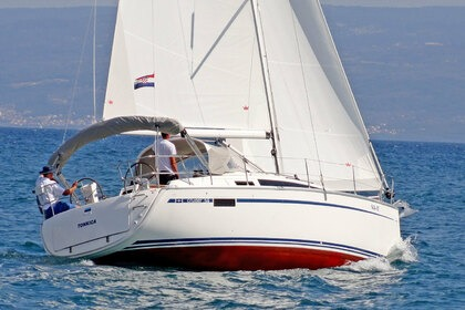 Hire Sailboat BAVARIA 34 CRUISER Split