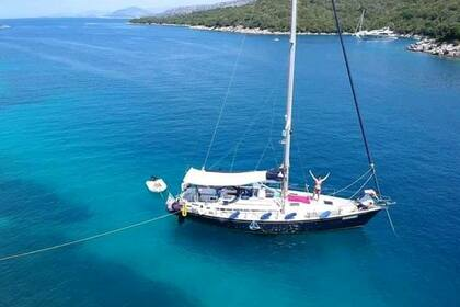 Rental Sailboat GRAND SOLEIL 46.3 San Foca