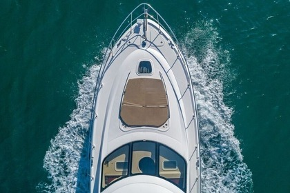 Hire Motorboat SUNSEEKER 65 Miami Beach