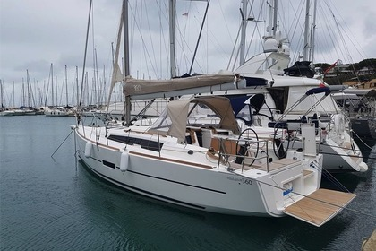 Hire Sailboat DUFOUR 360 Cagliari