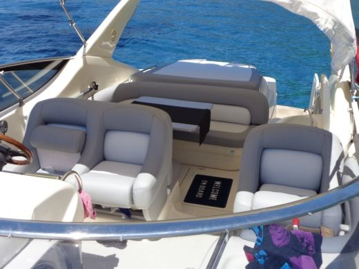 Motorboat Cranchi 39 Endurance peer-to-peer