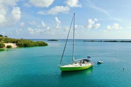 Hire Sailboat Kirie Feeling 486 Curaçao
