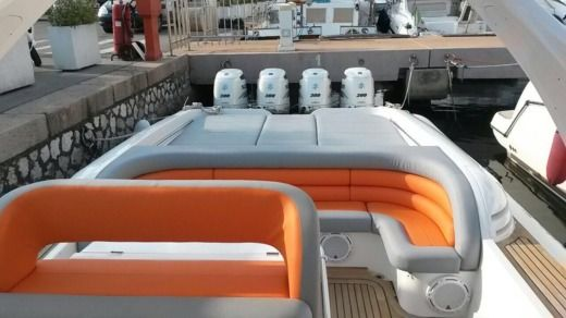 Motorboat Heaven 55 for hire