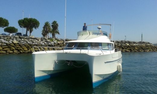 Charter Motorboat Fountaine Pajot Maryland 37 Biarritz