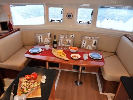 Catamaran Leopard 39 for hire