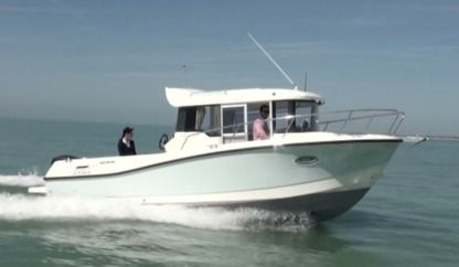 Charter Motorboat Quicksilver Pilothouse 755 Le Conquet