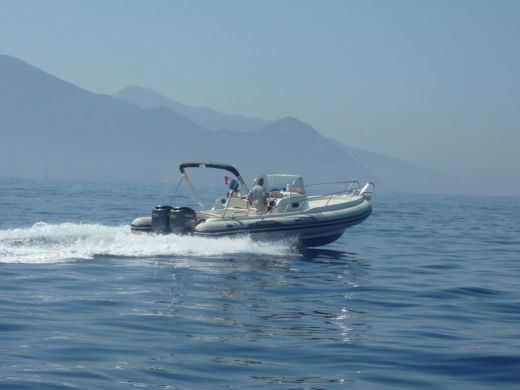RIB Capelli Tempest 900 peer-to-peer