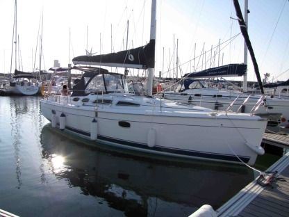 Rental Sailboat Hunter 36 Arzal
