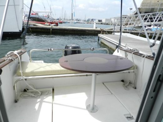 Charter motorboat in Lorient peer-to-peer