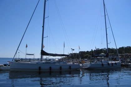 Hire Sailboat GRAND SOLEIL 45 Stockholm