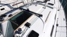 Sailboat Beneteau Clipper 393