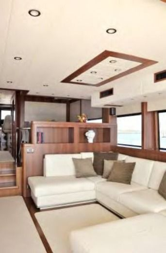 Motorboat Cantieri Vizianello Navetta 23Mt for hire