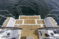 Sailboat Oceanis 35