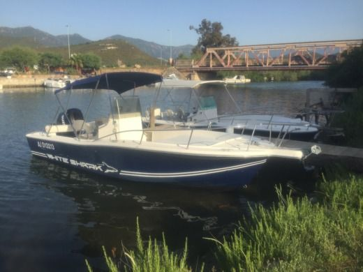Lancha CHRIS CRAFT White Shark 215 en alquiler