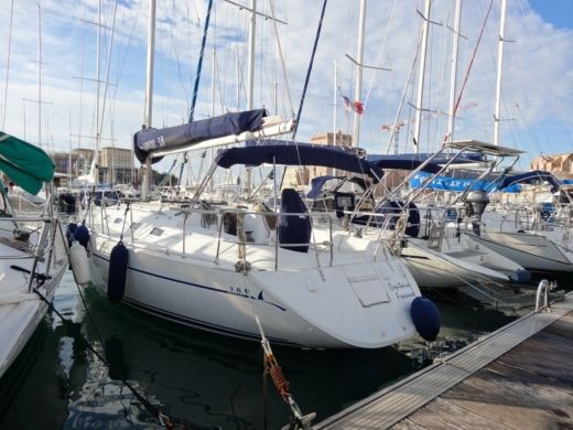 Sailboat Poncin Harmony 38 for hire