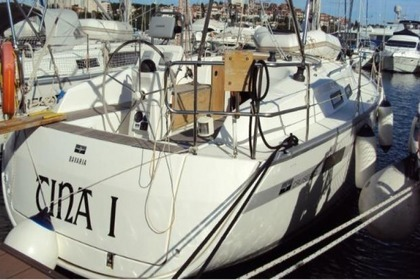 Rental Sailboat BAVARIA 32 Cruiser Pula