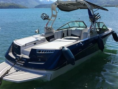 Charter Motorboat Correct Craft Super Air Nautique 230 Annecy