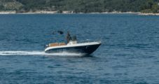 Motorboat Capelli Cap 20 for hire