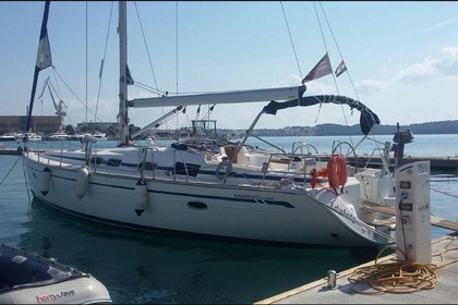 Hire Sailboat BAVARIA 46 CRUISER Hendaye