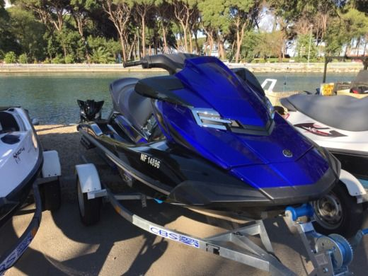 YAMAHA FXSVHO in Cannes for hire