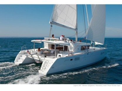 Charter Catamaran Lagoon 450  Flybridge Marmaris