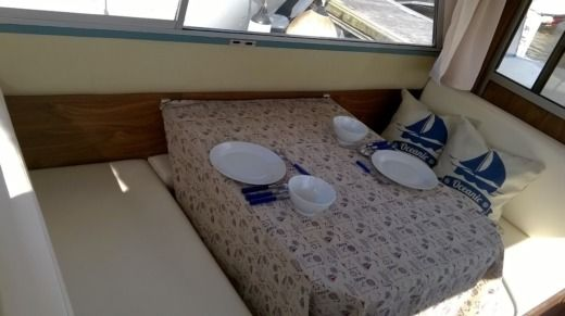 Houseboat Nahaed Buccaneer for hire