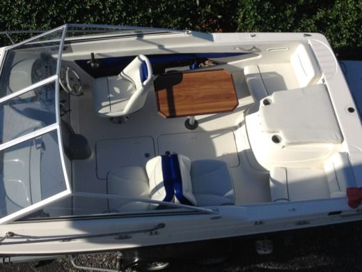 Bayliner 192 Cuddy Day-Cruiser Cabine a Donville-les-Bains tra privati