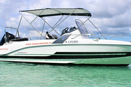 Hire Motorboat BENETEAU flyer 6.6 spacedeck Le Gosier
