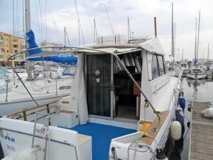 Charter Motorboat Beneteau Antares Serie 9 Frontignan