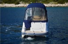 Motorboat Four Winns 278 Vista Blue for hire