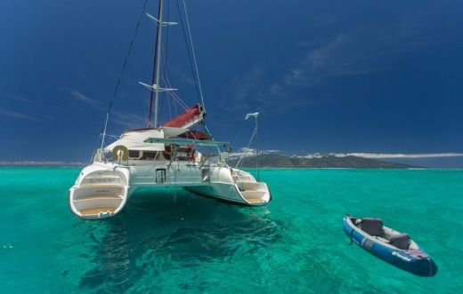 Charter catamaran in Pape'ete