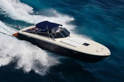 Hire Motorboat ITAMA 38 Sorrento