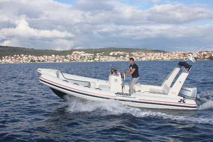 Location Semi-rigide JOKER BOAT Clubman 22 Silver Trogir